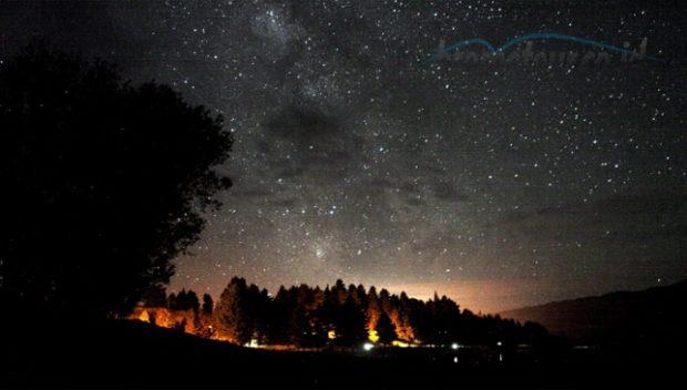 Fenomena alam Milky way di Danau Kumbolo