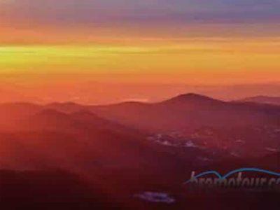 Puncak Mentigen: Spot lain melihat sunrise Bromo