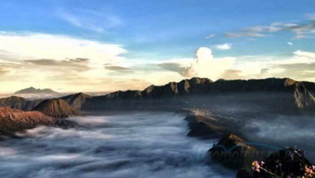 Pesona keindahan Puncak B29 Lumajang