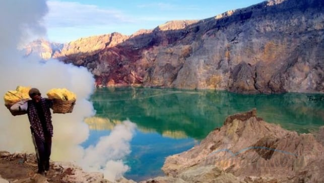 Pesona keindahan Kawah Gunung Ijen